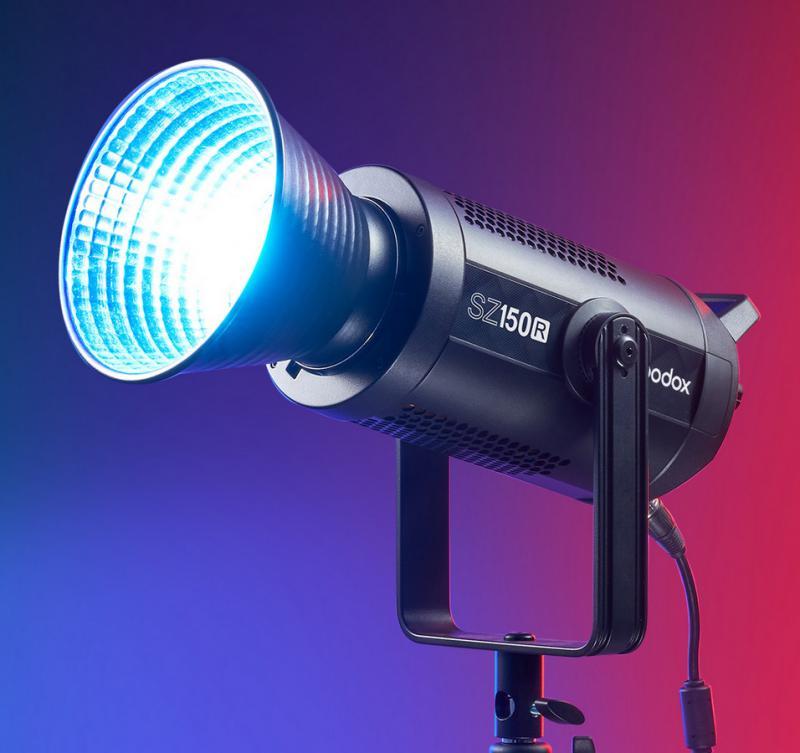 GODOX SZ150R LED VIDEO LIGHT RGB ZOOM BI-COLOR