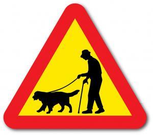 Skylt åldring med hund