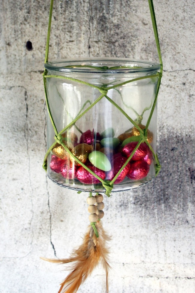 Glas med lädersnöre