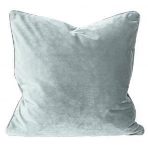 Kuddfodral Elise i sammet med passpoal, 60x60 cm, ljus grågrön