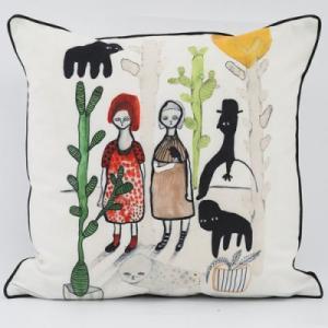 Kuddfodral i sammet med motiv målat av Emma Larsson