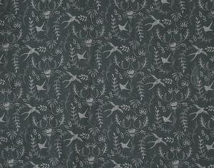 Metervara med svalor på blå bottenfärg. Design Louise Videlyck. Serie med längder,kappa och kuddfodral.