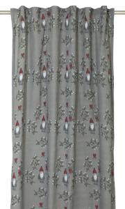 Gardinlängd Misteltomte, design Louise Videlyck, med söta tomtar, grå