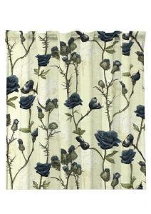 Gardinlängd Britta, kvistar med rosor på ljus botten, blå