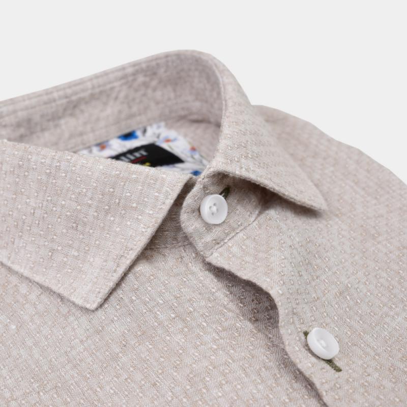 Beige jaquardvävd linneskjorta