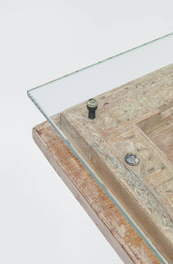 Konsolbordet har en fin mix av asiatisk antik stil och modern design
