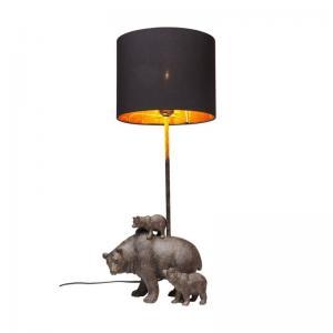 En charmig bordslampa där familjen Björn är själva lampfoten