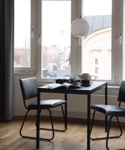 Stol Niels Vintage Black
