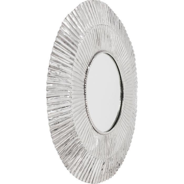 Magnifik stor spegel med bred ram i silver - från wohnzimmer.se