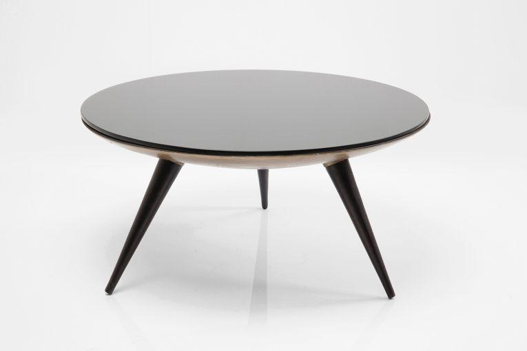 soffbord med stilmix av 50-tal och modern avskalad design