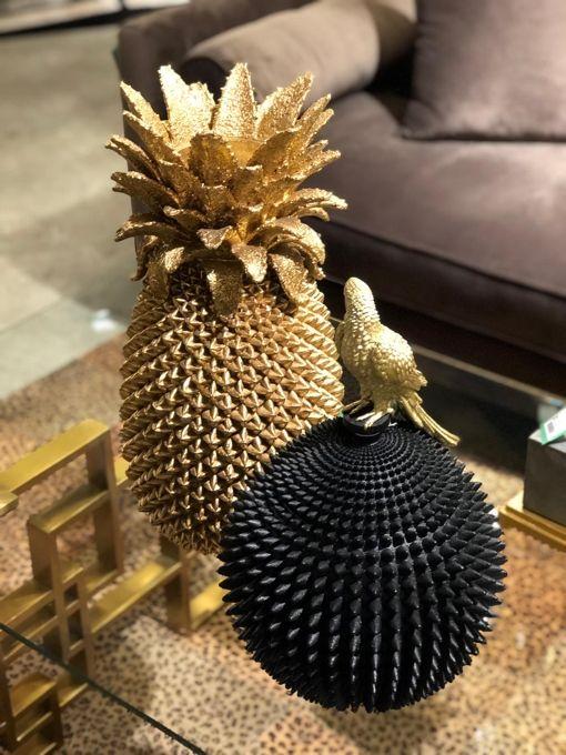 Stora dekorativa urnor i elegant design