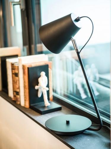 Bordslampa Zenzi Svart