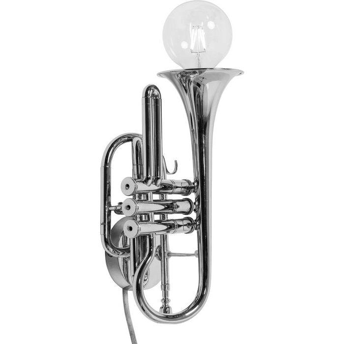 Vägglampa i form av en trumpet i silver.