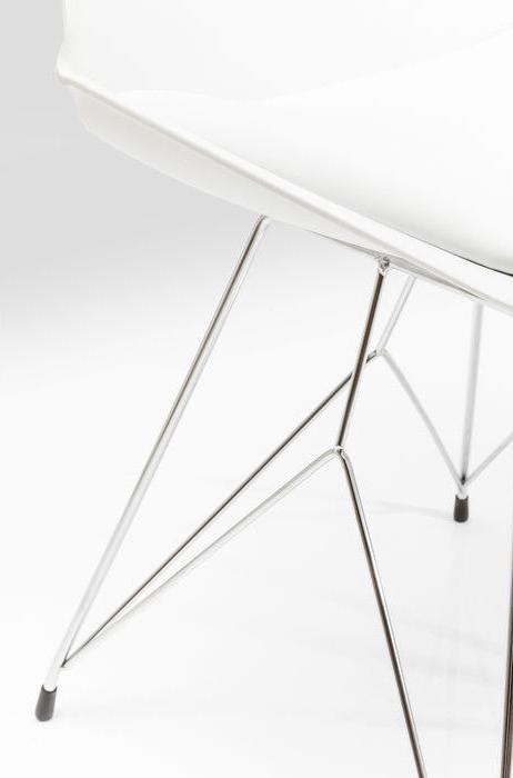 Modern matstol med kryssunderrede i kromat stål