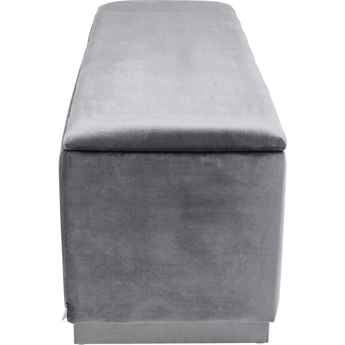 En smart och snygg bänk med mycket plats för förvaring.