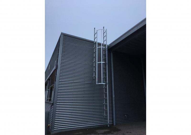 Set med ryggbåge till 3,6 m stege