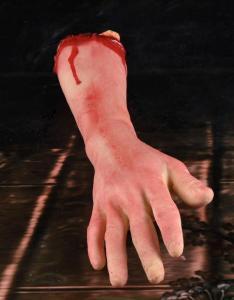 Avhuggen Blodig arm 47 cm
