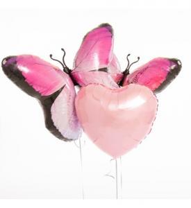 Alla hjärtansdag ballong bukett med fjärilar och hjärtan