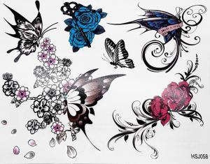 Tatuering fjärilar och rosor