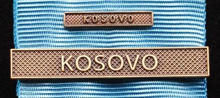 Bandspänne - KOSOVO - till stor medalj+miniatyrmedalj