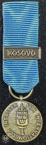 Försvarsmaktens medalj för internationella insatser i brons med bandspänne -KOSOVO-